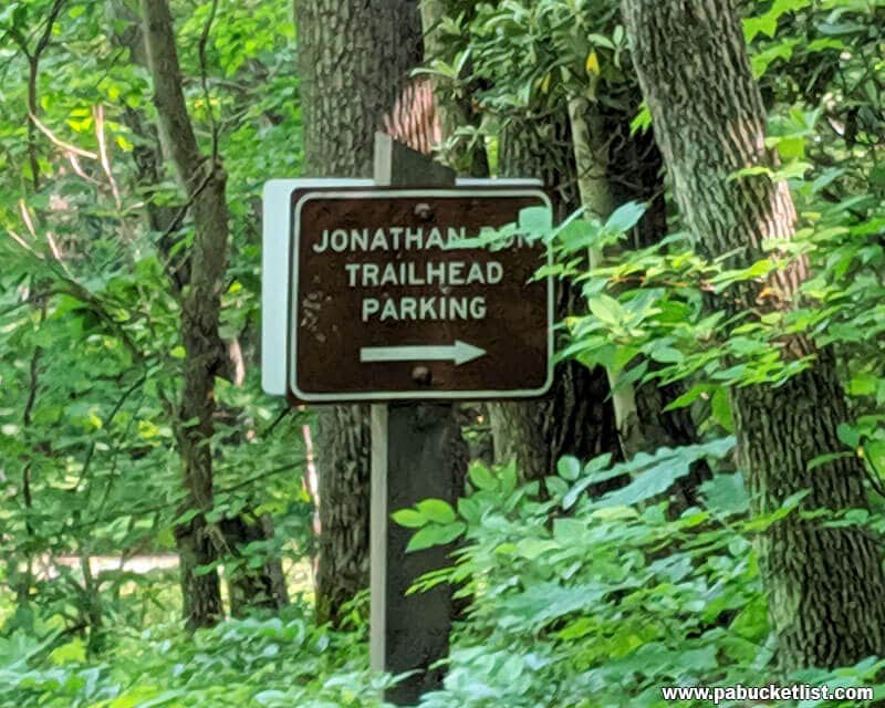 The Jonathan Run Trailhead sign along Holland Hill Road.