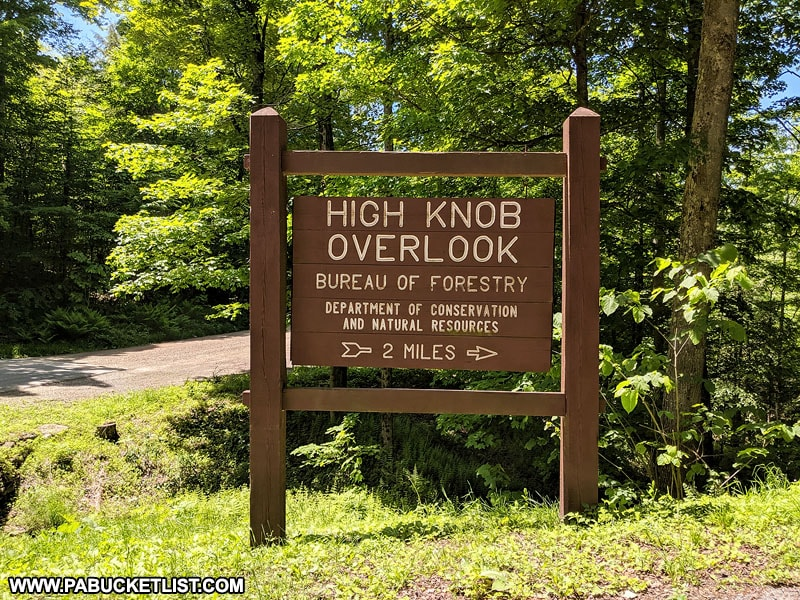 High Knob Overlook directional sign at the intersection of Dry Run Road and High Knob Road.