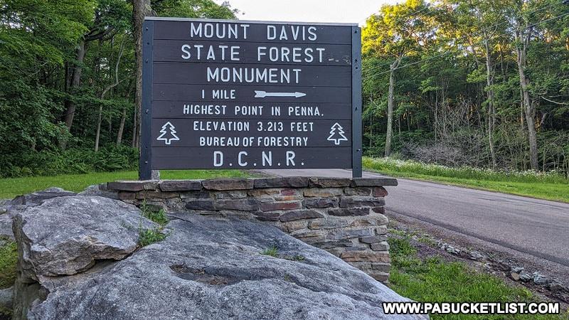 Mount Davis directional sign along Mount Davis Road.