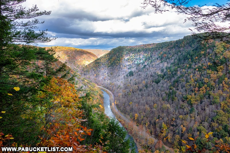 PA Grand Canyon Fall foliage in late October.