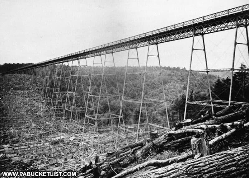 Kinzua Viaduct construction in 1882.