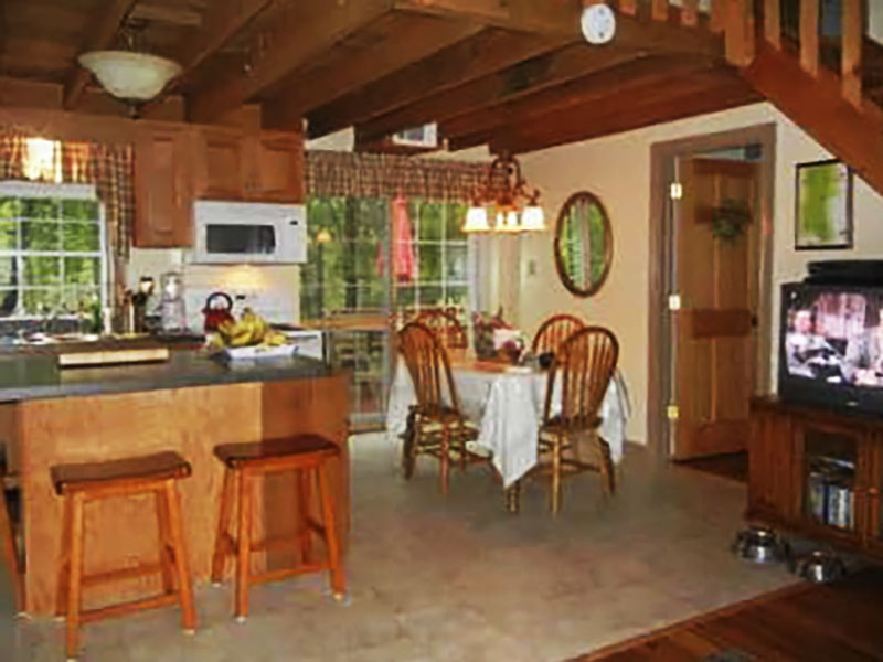 Interior of log cottage vacation rental along Pine Creek in the PA Grand Canyon near Wellsboro PA