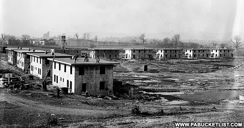 Public domain image showing Concrete City being constructed.