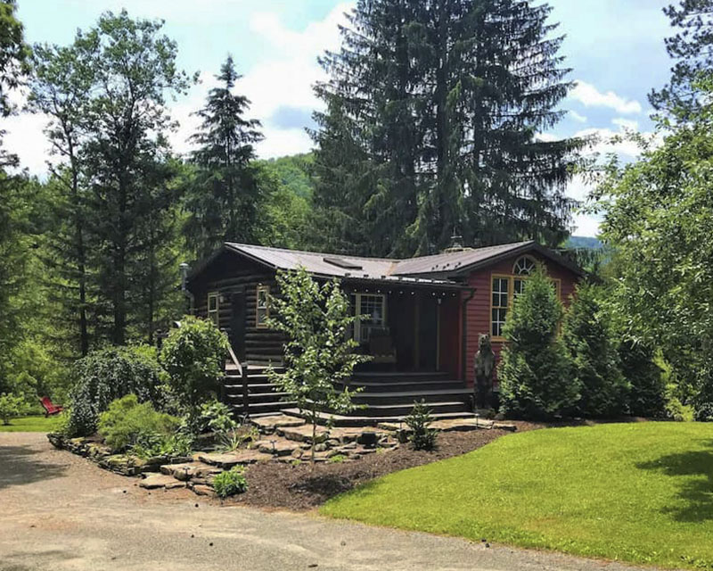 Exterior of contemporary cabin vacation rental in the PA Grand Canyon
