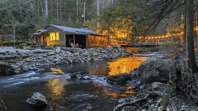 A creekside vacation rental cabin in the Poconos.