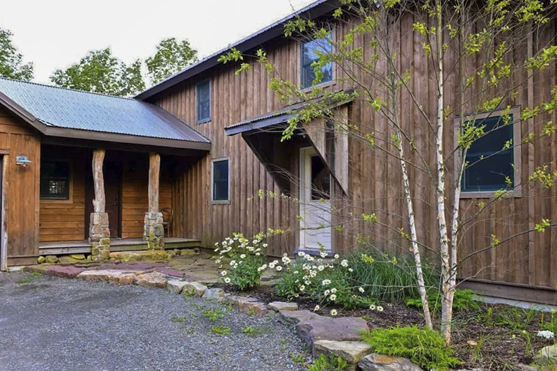 Exterior of Grand Mountain Lodge vacation rental in the Pine Creek Gorge near Wellsboro PA