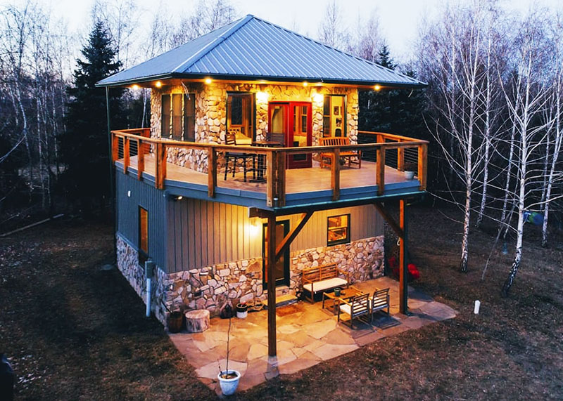 A unique firetower-style vacation rental cabin in the Poconos.