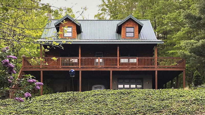 Front of PA Mountain House vacation rental near Wellsboro PA