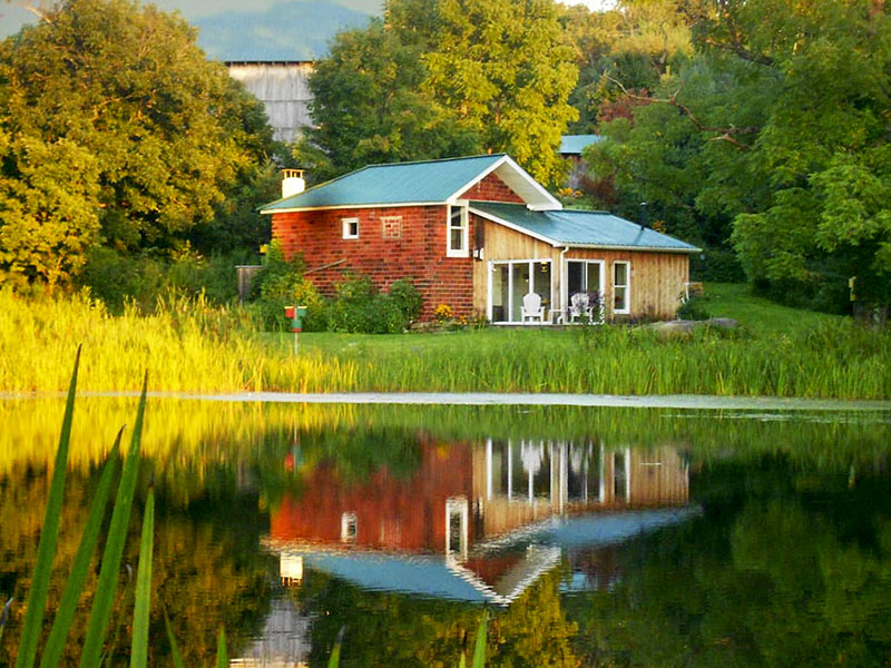 A waterfront vacation rental in the PA Laurel Highlands.