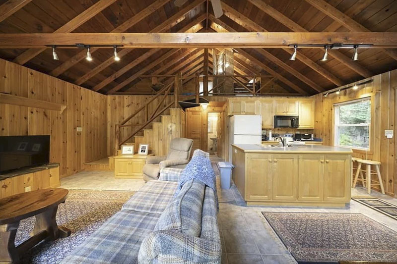 Inside a vacation rental cottage on Lake Wallen[paupak in the Poconos.