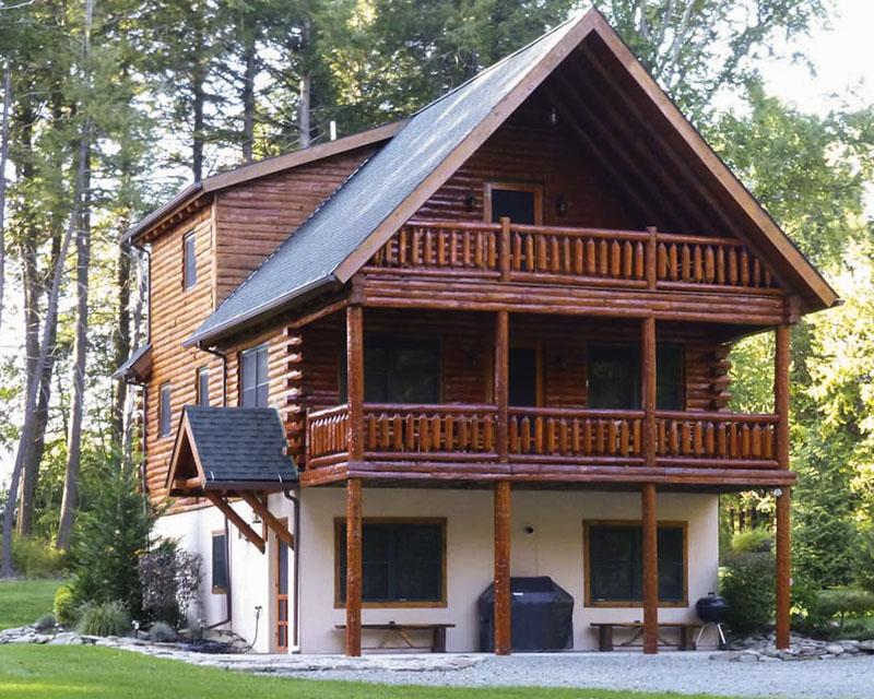 A Poconos log cabin vacation rental.