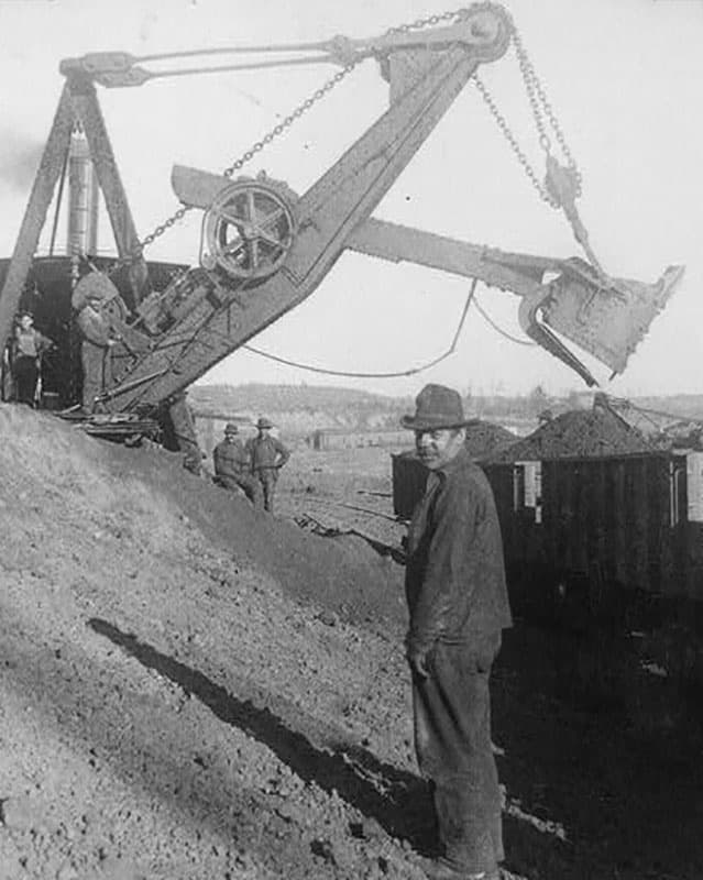 A steam shovel used to mine for iron ore.