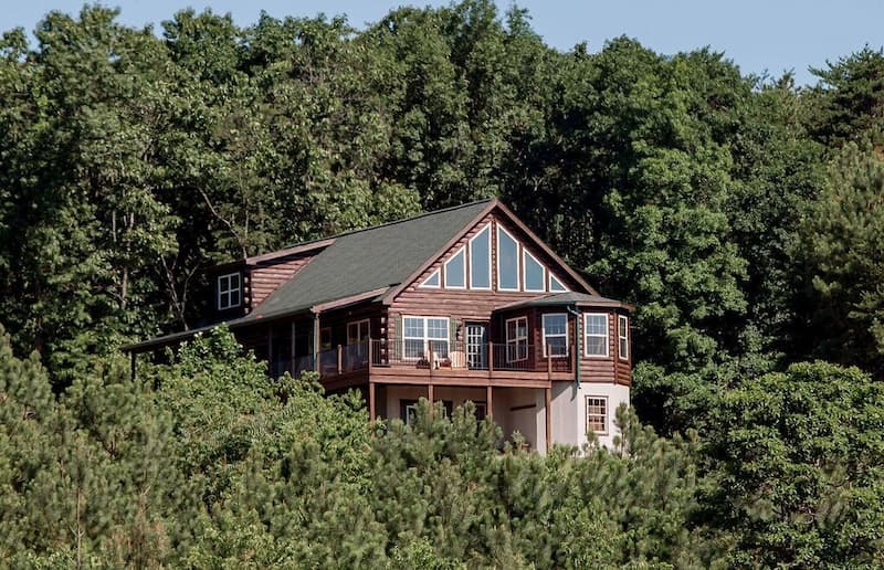 Rental home near the Abandoned PA Turnpike in Breezewood Pennsylvania