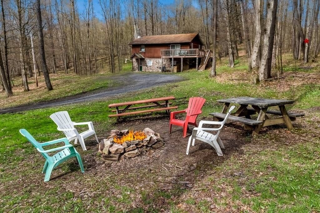 A Potter County Vrbo rental near Cherry Springs State Park and the Austin Dam Memorial Park.