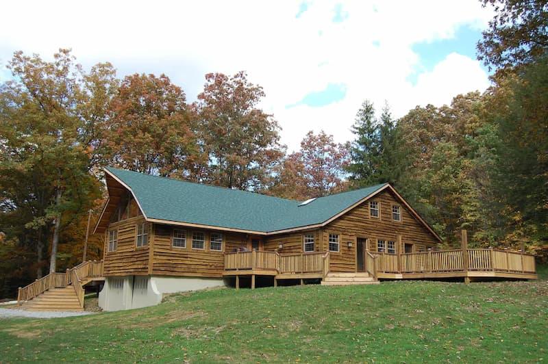 A vacation rental cabin near Fallingwater in Fayette County Pennsylvania.