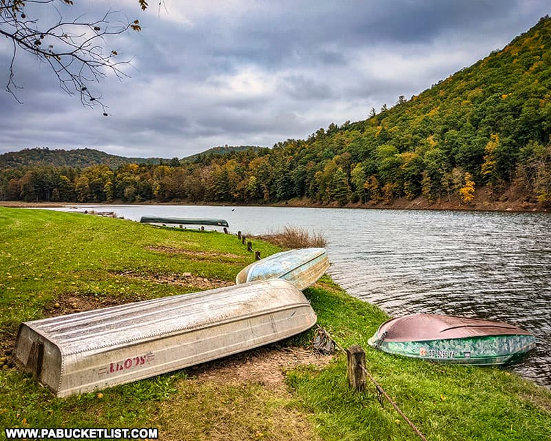 Fall foliage views near the boar launch at Kettle Creek State Park on October 12thm 2021.